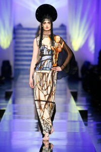 Visualia 971 Gaultier 2012-The-Fashion-World-of-Jean-Paul-Gaultier (1)